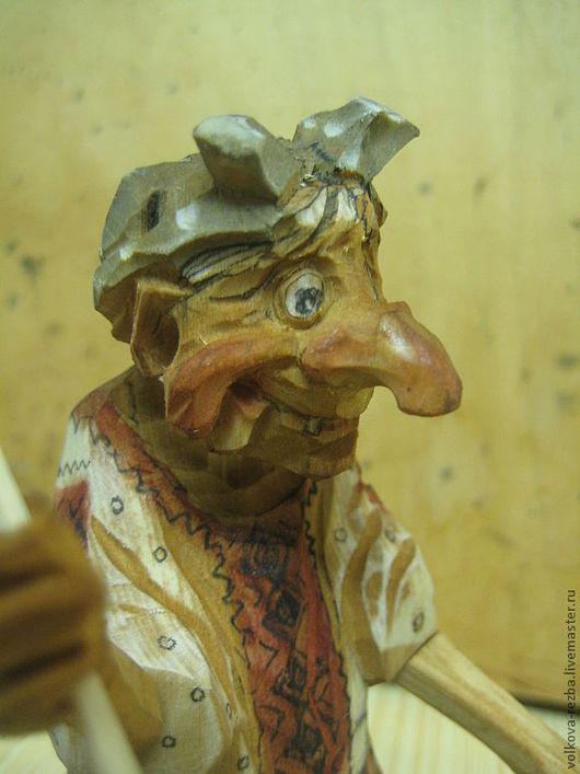 Сказочные персонажи ручной работы. Ярмарка Мастеров - ручная работа. Купить Баба Яга с лягушкой, резьба по дереву, авторская работа. Handmade.