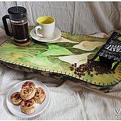 """Для дома и интерьера ручной работы. Ярмарка Мастеров - ручная работа Столик на подушке """"Каллы"""", салатовый.. Handmade."""
