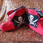 """Обувь ручной работы. Ярмарка Мастеров - ручная работа Мужские тапочки """"Весёлый Роджер"""". Handmade."""