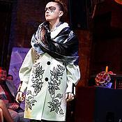 """Пальто """"Зебровые орхидеи"""" с вышивкой"""