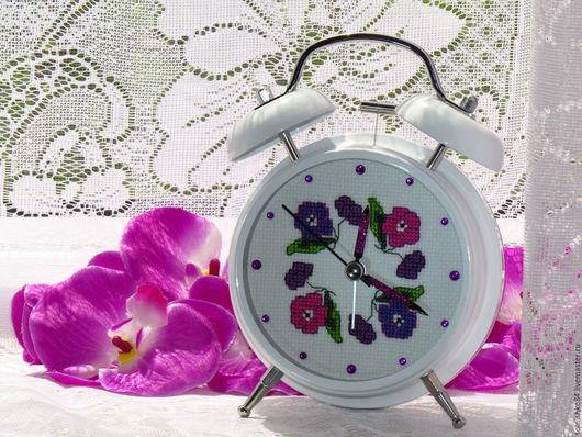 """Часы для дома ручной работы. Ярмарка Мастеров - ручная работа. Купить Будильник """"Весеннее настроение"""". Handmade. Белый, цветы"""