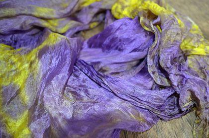 Шарфы и шарфики ручной работы. Заказать широкий женский шарф фиолетово жёлтый натуральный шелк. Аксессуары из шёлка и кожи. Елена.. Ярмарка Мастеров.