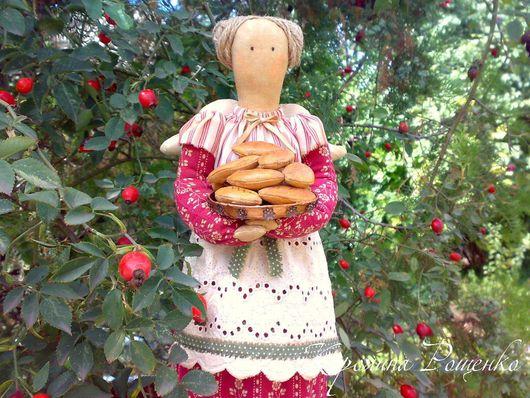 Ароматизированные куклы ручной работы. Ярмарка Мастеров - ручная работа. Купить Тетушка с пирожками. Handmade. Интерьерная кукла, фуксия, акрил