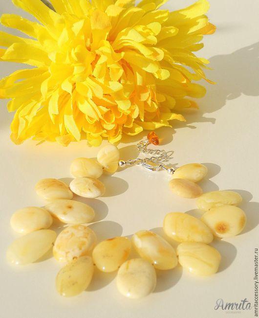 Браслеты ручной работы. Ярмарка Мастеров - ручная работа. Купить Солнечный браслет с натуральным королевским янтарем. Handmade. Желтый