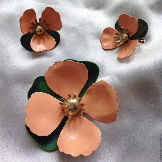 Винтажные украшения. Ярмарка Мастеров - ручная работа. Купить Комплект Sarah COVENTRY персиковые цветы, винтаж. Handmade. Брошь и клипсы