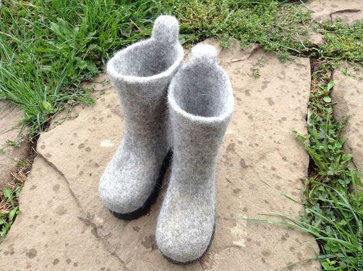 Валянки сваляны из высококачественной новозеландской шерсти без применения ВШМ.