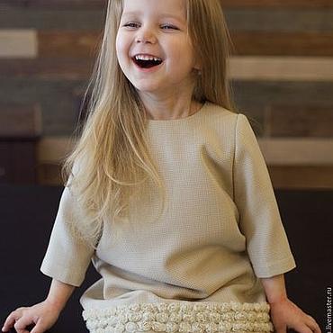 Работы для детей, ручной работы. Ярмарка Мастеров - ручная работа Молочное детское платье с кружевными цветами из шифона. Handmade.