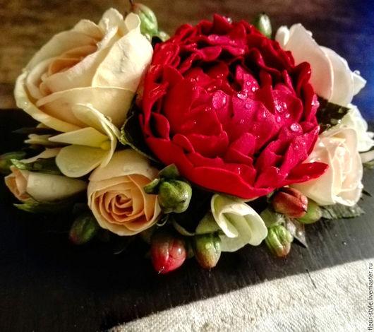 """Заколки ручной работы. Ярмарка Мастеров - ручная работа. Купить Гребень для волос с пионом и розами """"бордо в кремовом"""". Handmade. Бордовый"""