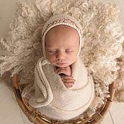 Шапки ручной работы. Ярмарка Мастеров - ручная работа Шапочка с вышивкой для фотосессии новорожденной. Handmade.