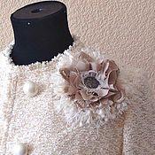 Брошь-булавка ручной работы. Ярмарка Мастеров - ручная работа Брошь цветок из ткани Шанель - Карамель. Handmade.