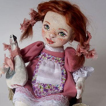 Куклы и игрушки ручной работы. Ярмарка Мастеров - ручная работа Девочка с гусем. Handmade.
