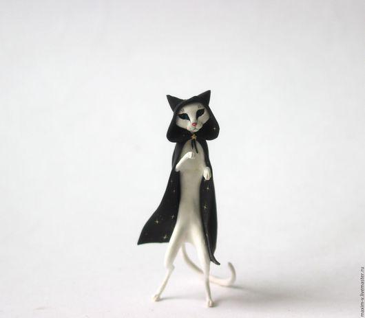 Игрушки животные, ручной работы. Ярмарка Мастеров - ручная работа. Купить Кошка в черном плаще со звездами. Handmade. Черный