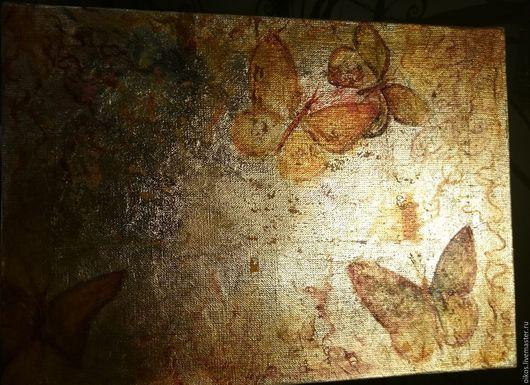 Фантазийные сюжеты ручной работы. Ярмарка Мастеров - ручная работа. Купить Винтажные бабочки на золотом фоне - картина поталью и маслом. Handmade.