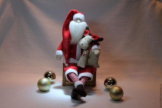 Куклы Тильды ручной работы. Ярмарка Мастеров - ручная работа. Купить Санта Клаус с олененком. Handmade. Санта клаус