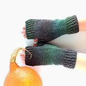 Аксессуары ручной работы. Ярмарка Мастеров - ручная работа Тёплые зелёные митенки из 100% шерсти Просто Меланж. Handmade.