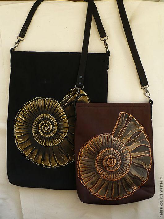 Коричневая сумка 29*22см 2700р Черная сумка 29*39см 3500р