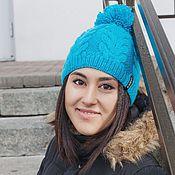 Аксессуары ручной работы. Ярмарка Мастеров - ручная работа Вязаная шапка с помпоном ярко-голубого цвета. Handmade.