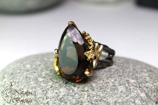 Эксклюзивное кольцо с крупным кофейны коричневым  натуральным раухтопазом дымчатым кварцем на серебре 925 с позолотой чернением подарок девушке женщине коллеге купить