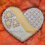Сувениры и подарки ручной работы. Ярмарка Мастеров - ручная работа Пряник - большое кружевное сердце. Handmade.