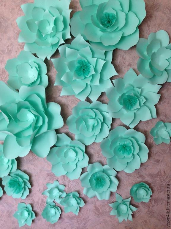 Цветы мятного цвета