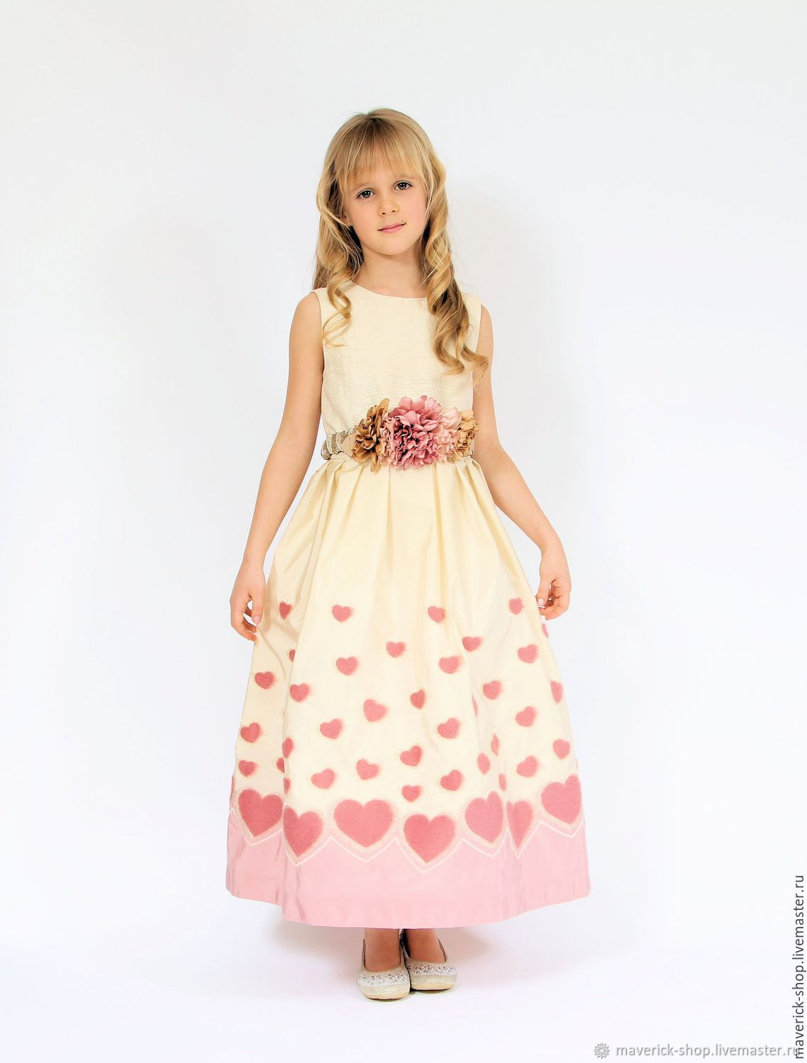 Beige elegant dress for girls in taffeta with pink hearts, Childrens Dress, Moscow,  Фото №1