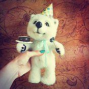 """Куклы и игрушки ручной работы. Ярмарка Мастеров - ручная работа """"Поздравляю!"""" мишка валяный. Handmade."""