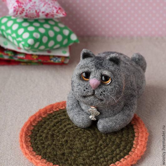 Игрушки животные, ручной работы. Ярмарка Мастеров - ручная работа. Купить Валяный кот Семён. Handmade. Серый, котик