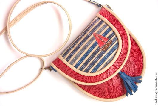 Кожаная сумочка. Красная сумочка в морской тематике на ремешке через плечо