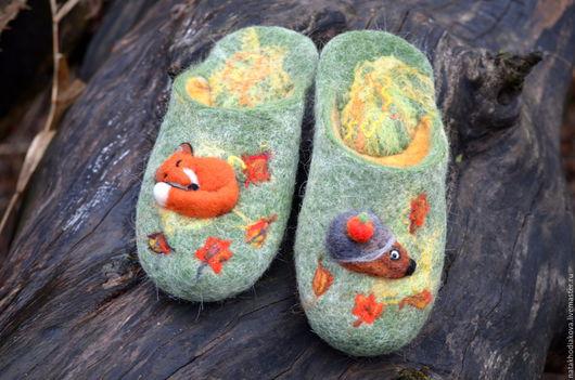 """Обувь ручной работы. Ярмарка Мастеров - ручная работа. Купить Тапочки валяные """"Осень в сказочном лесу"""". Handmade. Зеленый"""