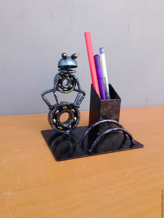 Карандашницы ручной работы. Ярмарка Мастеров - ручная работа. Купить Карандашница визитница лягушка и мишка. Handmade. Лягушка, презент, металл