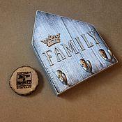 """Для дома и интерьера ручной работы. Ярмарка Мастеров - ручная работа Ключница """"Family"""". Handmade."""