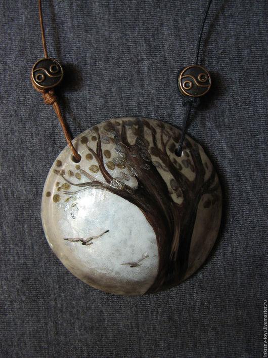 """Кулоны, подвески ручной работы. Ярмарка Мастеров - ручная работа. Купить Кулон """"Дерево"""". Handmade. Серый, дерево, акриловая смола"""