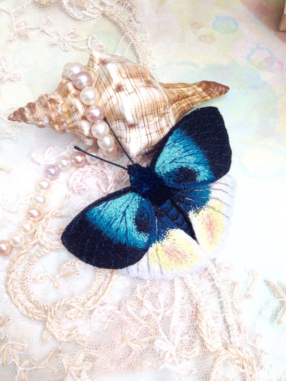 Брошь бабочка вышивка 86