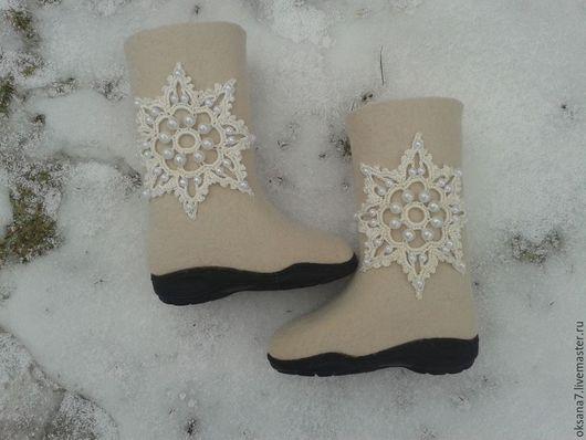"""Обувь ручной работы. Ярмарка Мастеров - ручная работа. Купить Сапоги валяные  """" Снежинка"""". Handmade. Белый, валенки женские"""