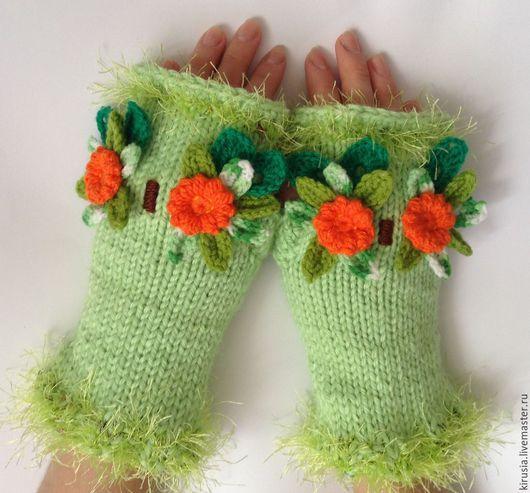 """Варежки, митенки, перчатки ручной работы. Ярмарка Мастеров - ручная работа. Купить Митенки вязаные с цветочными совушками """"Лесное чудо"""". Handmade."""