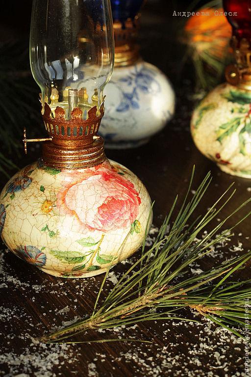 """Освещение ручной работы. Ярмарка Мастеров - ручная работа. Купить Лампа керосиновая """"Любимая"""". Handmade. Ярко-красный, розы на бежевом"""