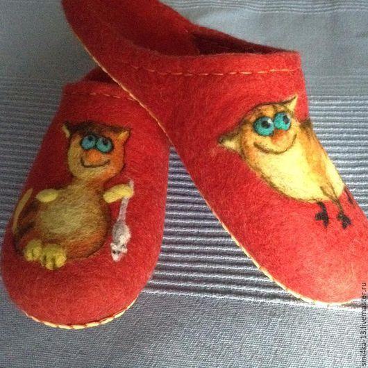 Обувь ручной работы. Ярмарка Мастеров - ручная работа. Купить тапочки домашние Котейки-5. Handmade. Ярко-красный