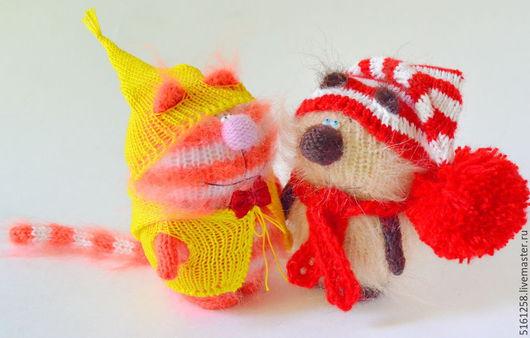 """Игрушки животные, ручной работы. Ярмарка Мастеров - ручная работа. Купить Вязаные котики """"Лучшие друзья"""". (Мягкие игрушки. Купить подарок ). Handmade."""