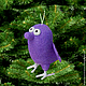 «А мне все фиолетово!» —  говорит фиолетовая птичка, вися на  новогодней ёлке))) Птичка сваляна сухим способом из шерсти. Она может жить-висеть на новогодней ёлке, на сумке, в автомобиле и  на подоко