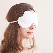 Одежда ручной работы. Ярмарка Мастеров - ручная работа Маска для сна тучка, белая и пушистая маска для сна, подарок женщине. Handmade.