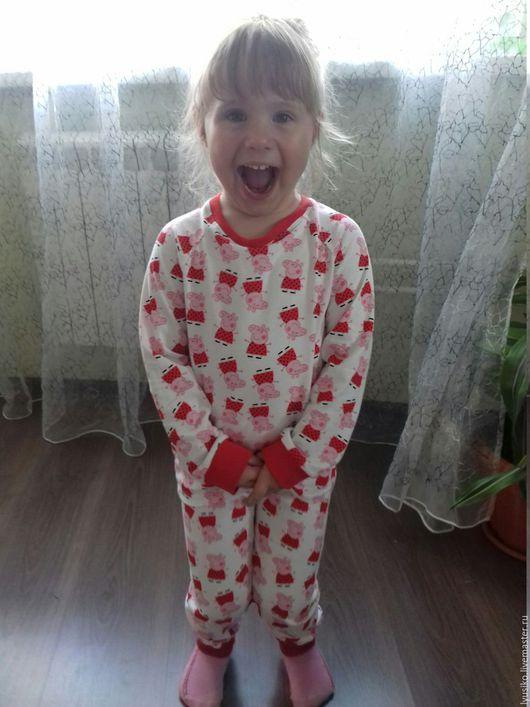 """Одежда для девочек, ручной работы. Ярмарка Мастеров - ручная работа. Купить Пижама для сна """"Свинка Пеппа"""". Handmade. Ярко-красный"""