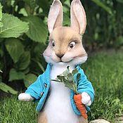 Мягкие игрушки ручной работы. Ярмарка Мастеров - ручная работа Кролик Питер. Handmade.