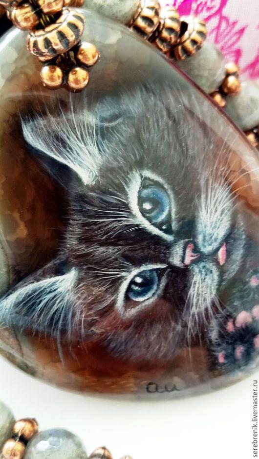 Дымок – кулон с котом - авторская лаковая роспись Шпагиной Анны, который можно купить на сайте Ярмарка мастеров.