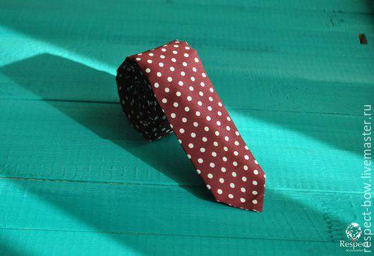 Галстуки, бабочки ручной работы. Ярмарка Мастеров - ручная работа. Купить Бордовый галстук в белый горошек от селедки до широких солидных. Handmade.