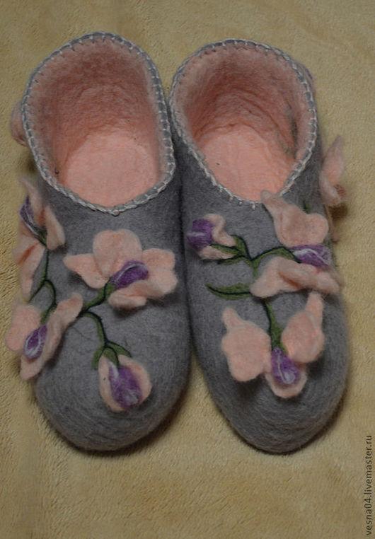Обувь ручной работы. Ярмарка Мастеров - ручная работа. Купить Валяные вручную тапочки   Орхидеи. Handmade. Орхидеи, подарок девочке