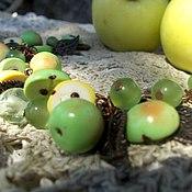 Украшения ручной работы. Ярмарка Мастеров - ручная работа Браслет с зелеными яблочками из полимерной глины. Handmade.