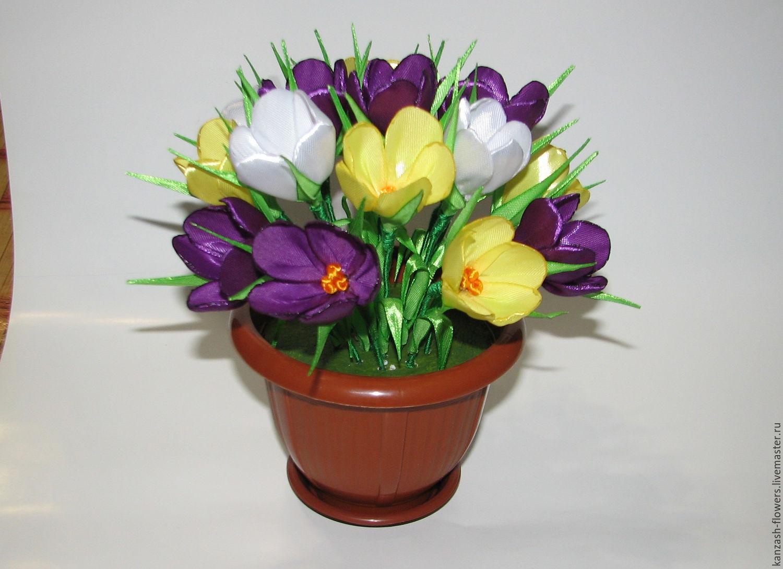 Атласные цветы в корзине своими руками