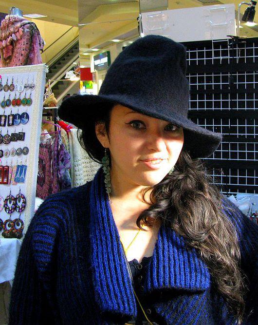 """Шляпа """"Для Маргариты"""" выполнена из итальянской шерсти 18 мкм в стиле """"федОра"""" .Стильный, модный аксессуар.  Можно дополнить аксессуарами- цветком, шарфом Шляпа вошла в коллекцию"""