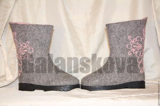 Обувь ручной работы. Ярмарка Мастеров - ручная работа. Купить Валенки женские 37 размер. Handmade. Серый