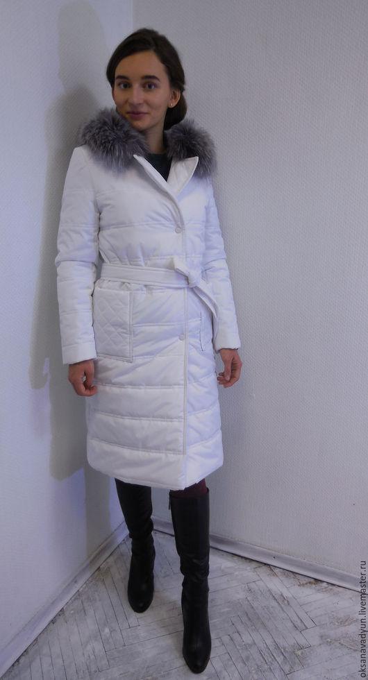 Верхняя одежда ручной работы. Ярмарка Мастеров - ручная работа. Купить Пуховое пальто с меховым воротником Snow. Handmade. Белый